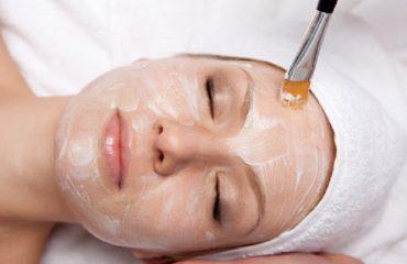 بهترین اسکین کر اصفهان AHA تراپی درمان مشکلات پوستی
